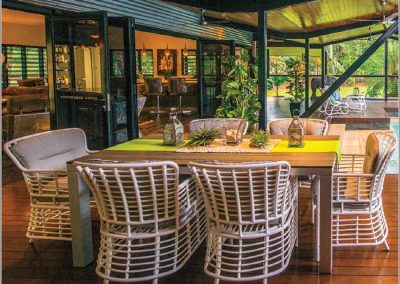 Outdoor Goa dining setting in white