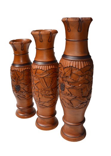 TIMBER POTS WITH CARVINGS